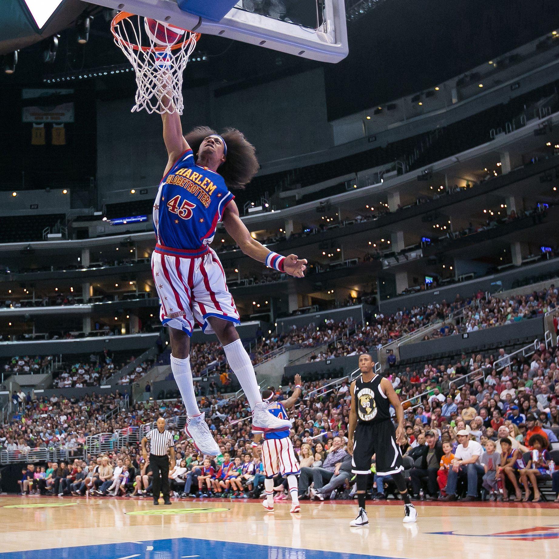Harlem Globetrotter dunk