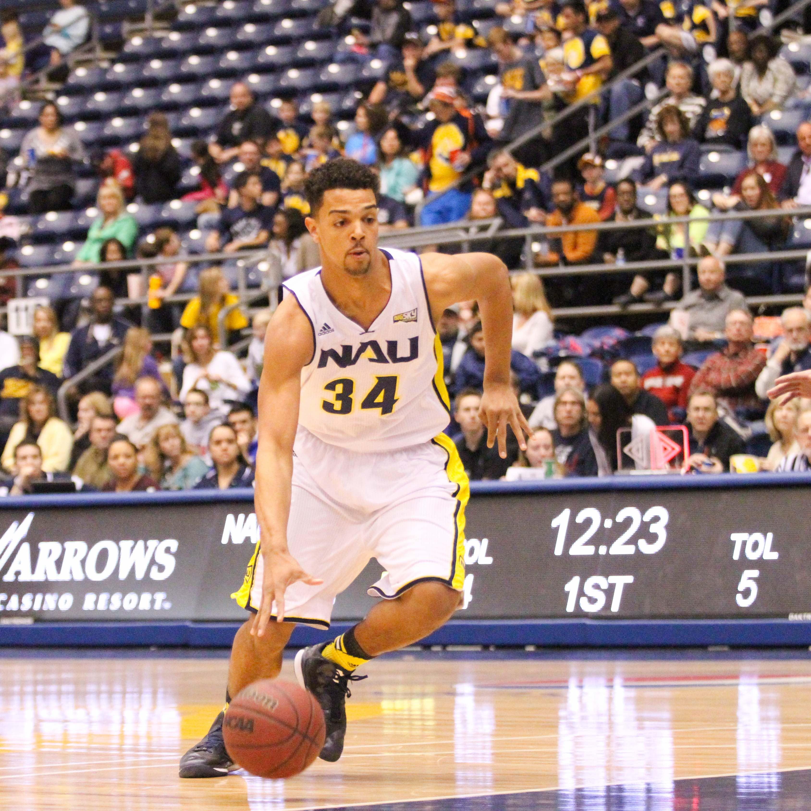 Men's Basketball takes it down court