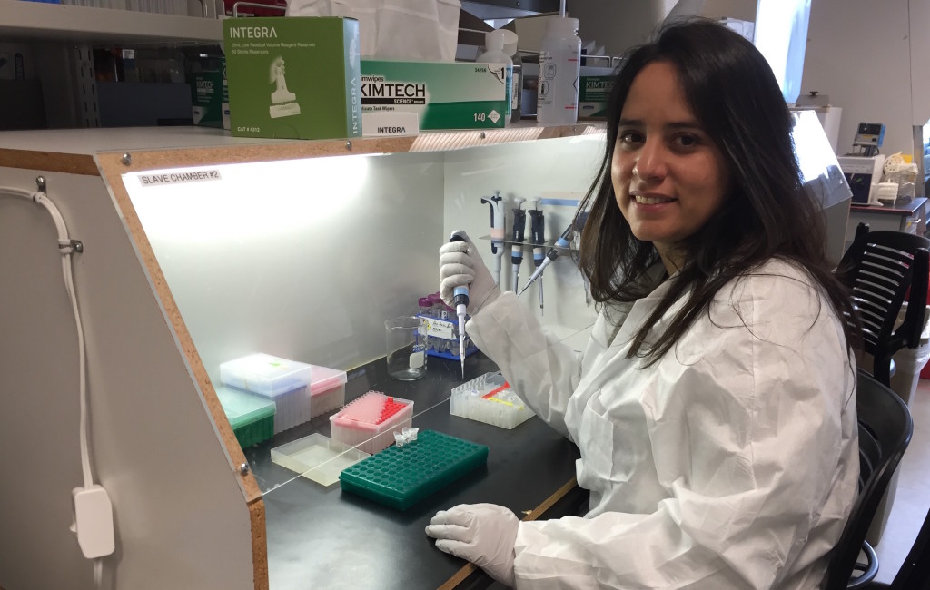 Veronica Barragan in the lab