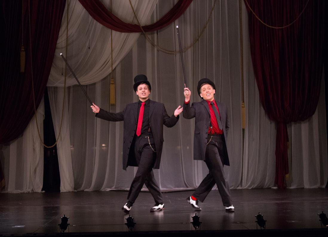 Karton Krieg and Adam Kenton perform