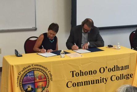 President Rita Cheng and TOCC president sign memorandum of understanding
