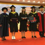 President Cheng poses with NAU 1+2+1 graduates