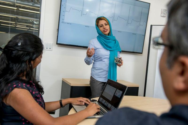 Fatemeh Afghah teaching a class