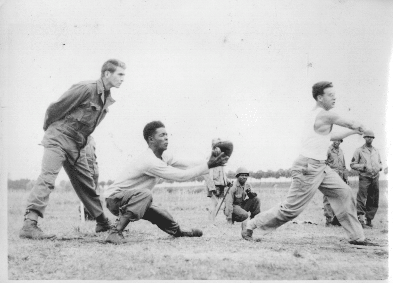 Soldiers play baseball